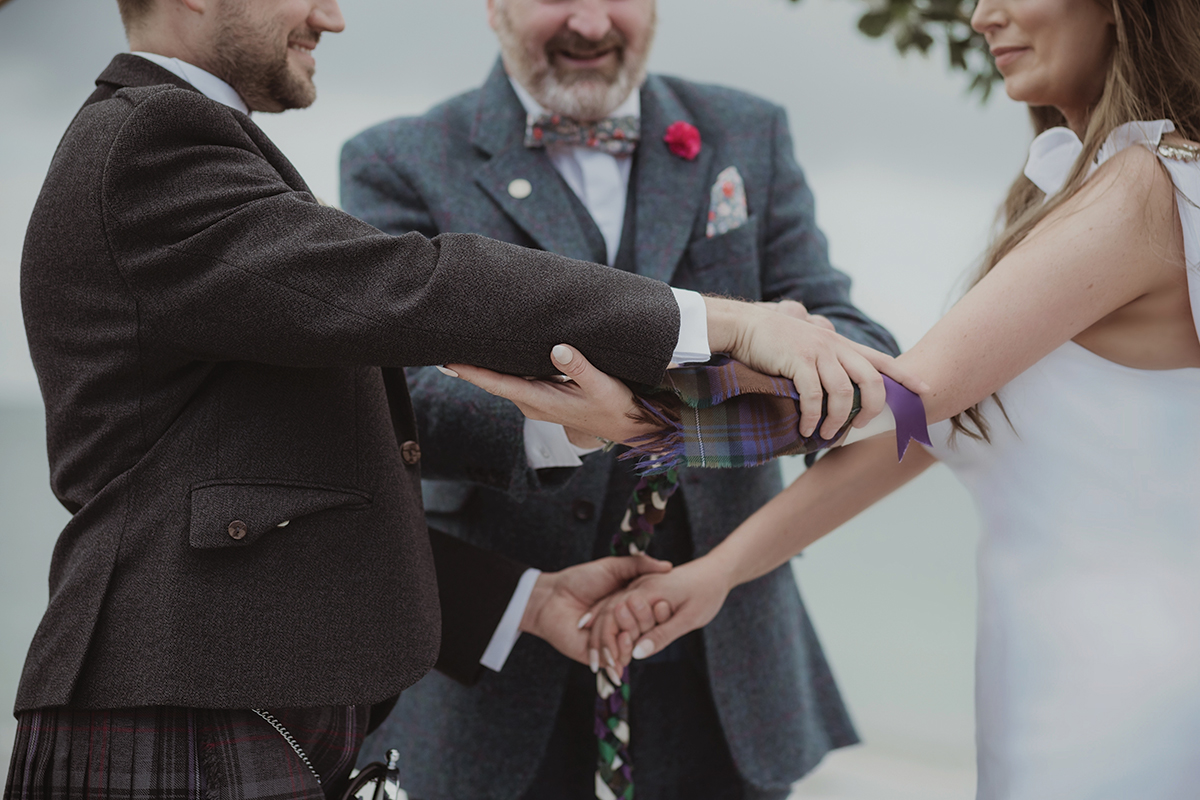 handtying-ceremony