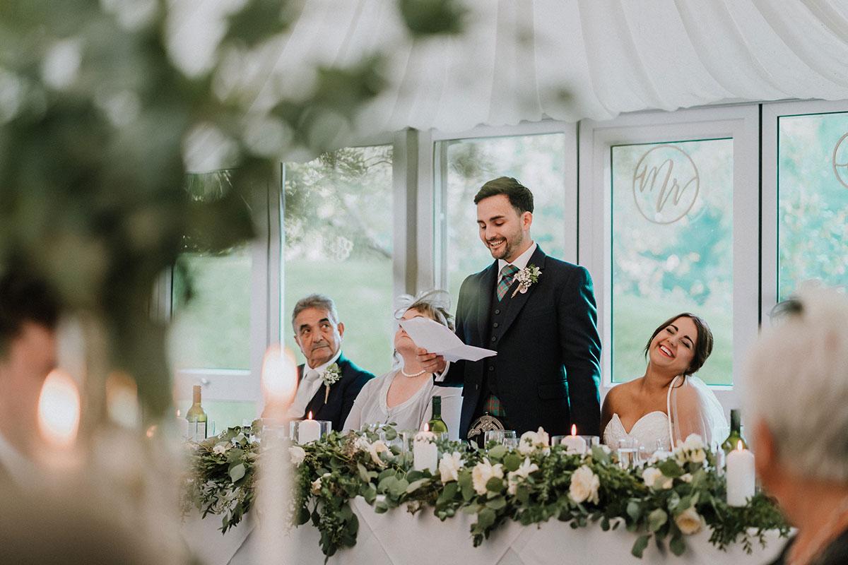 groom-in-kilt-giving-speech