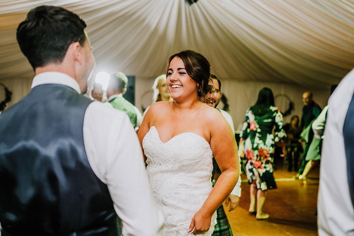bride-and-groom-on-dancefloor-for-ceilidh