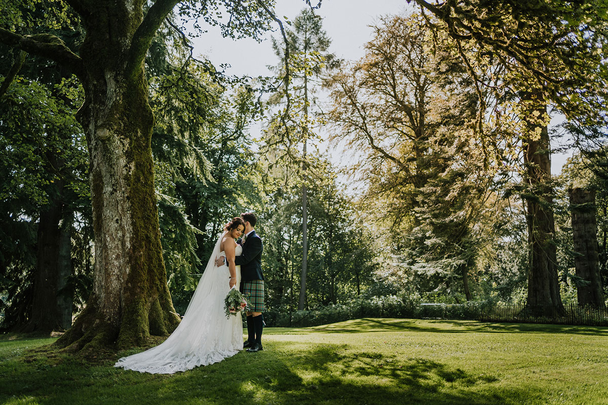 bride-and-groom-in-forest