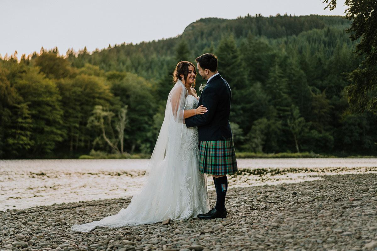 bride-and-groom-by-water-in-dunkeld