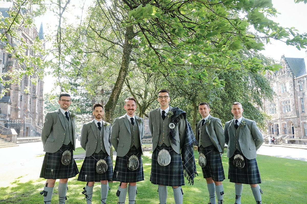 groom-and-groomsmen-at-glasgow-university-wearing-kilts