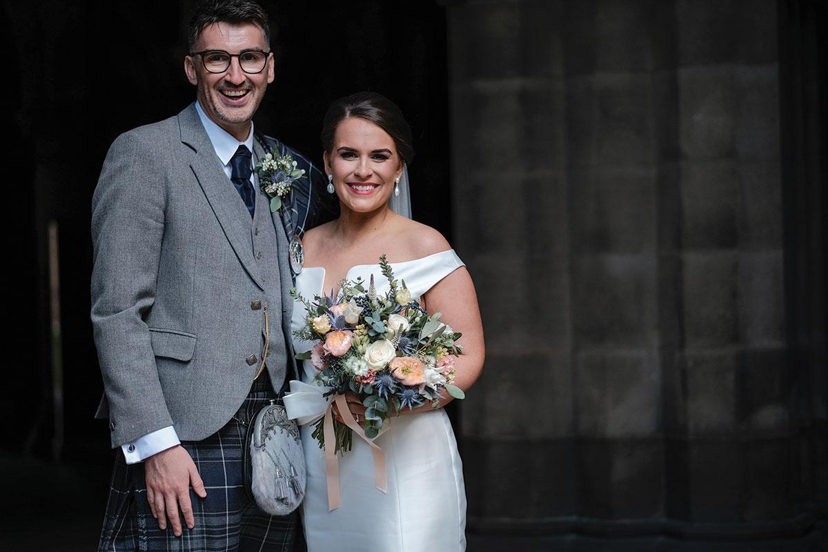 _newlywed-wedding-couple-smiling-at-glasgow-university