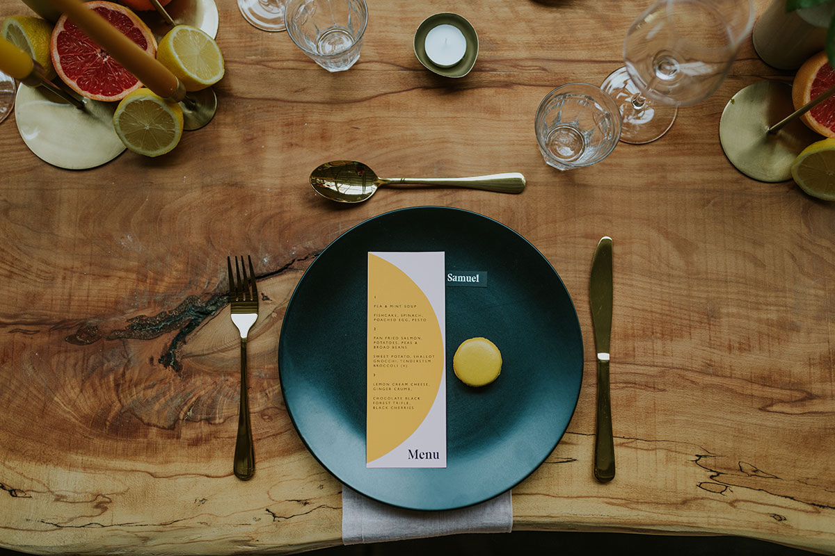 weaving-shed-dundee-dinner-menu-and-place-setting-on-wooden-table