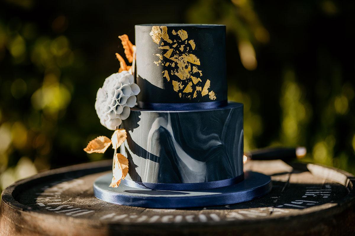 pippas-kitchen-wedding-cake-victoria-photography