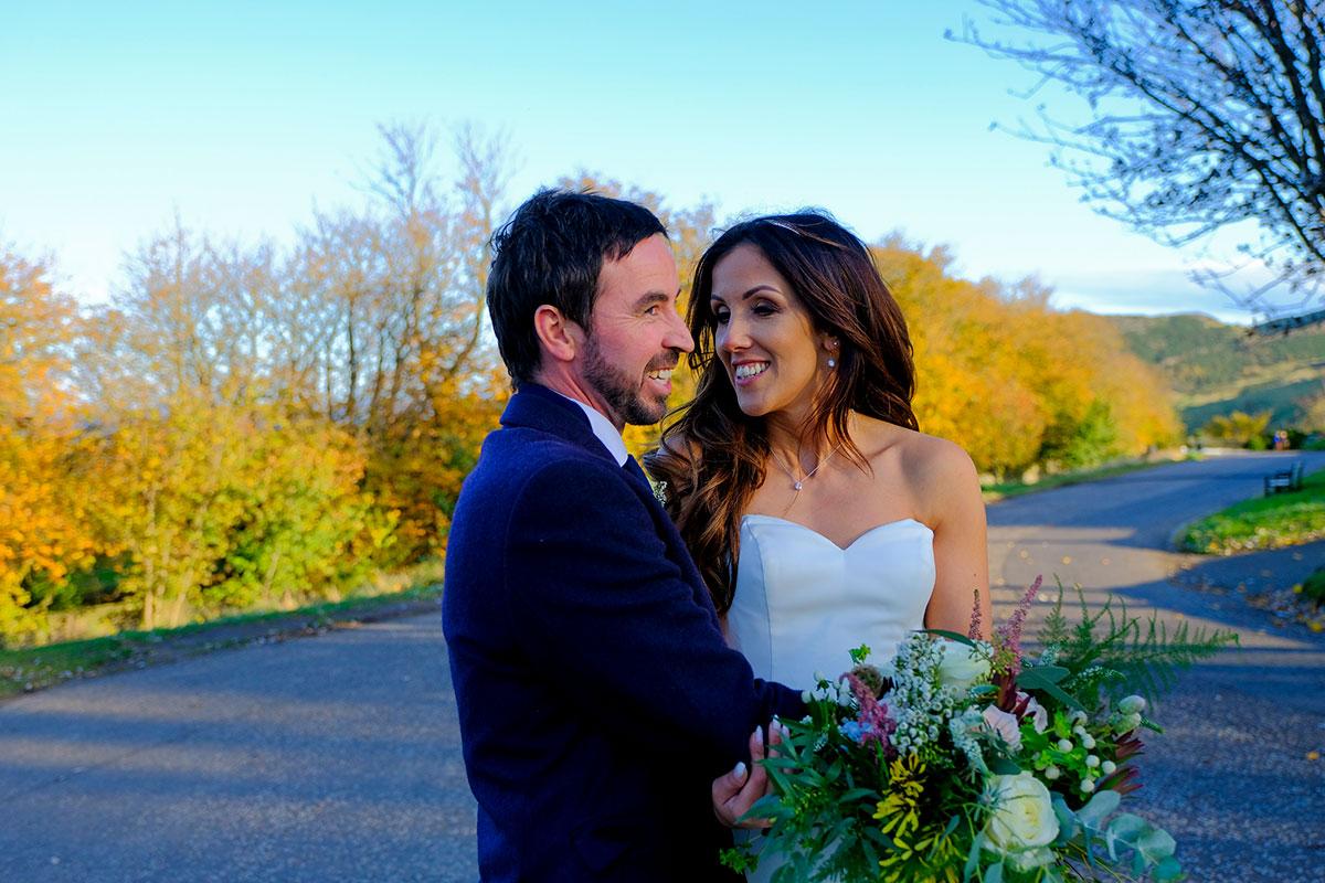 bride-groom-autumn-trees-edinburgh