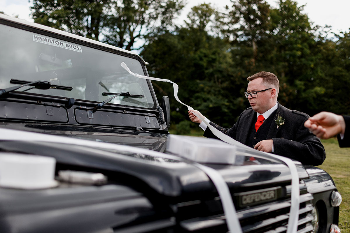 Isle-of-Lismore-Wedding-Photography-Barry-Robb-landrover-wedding-car