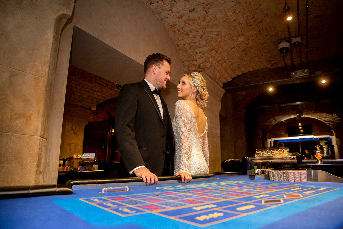 bride and groom in the casino at The Corinthian in Glasgow
