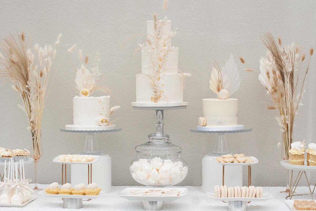 Liggy Cake Company pampas grass cake and dessert table