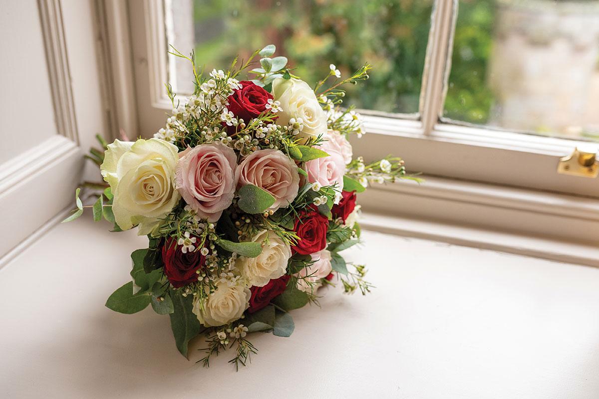 CameraShy Photography Carlowrie Castle wedding Moody Cow bridal bouquet