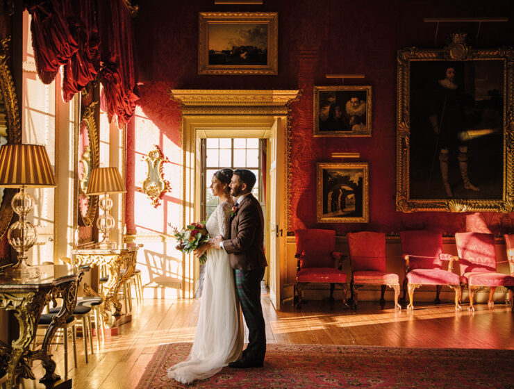 bride and groom at Hopetoun House