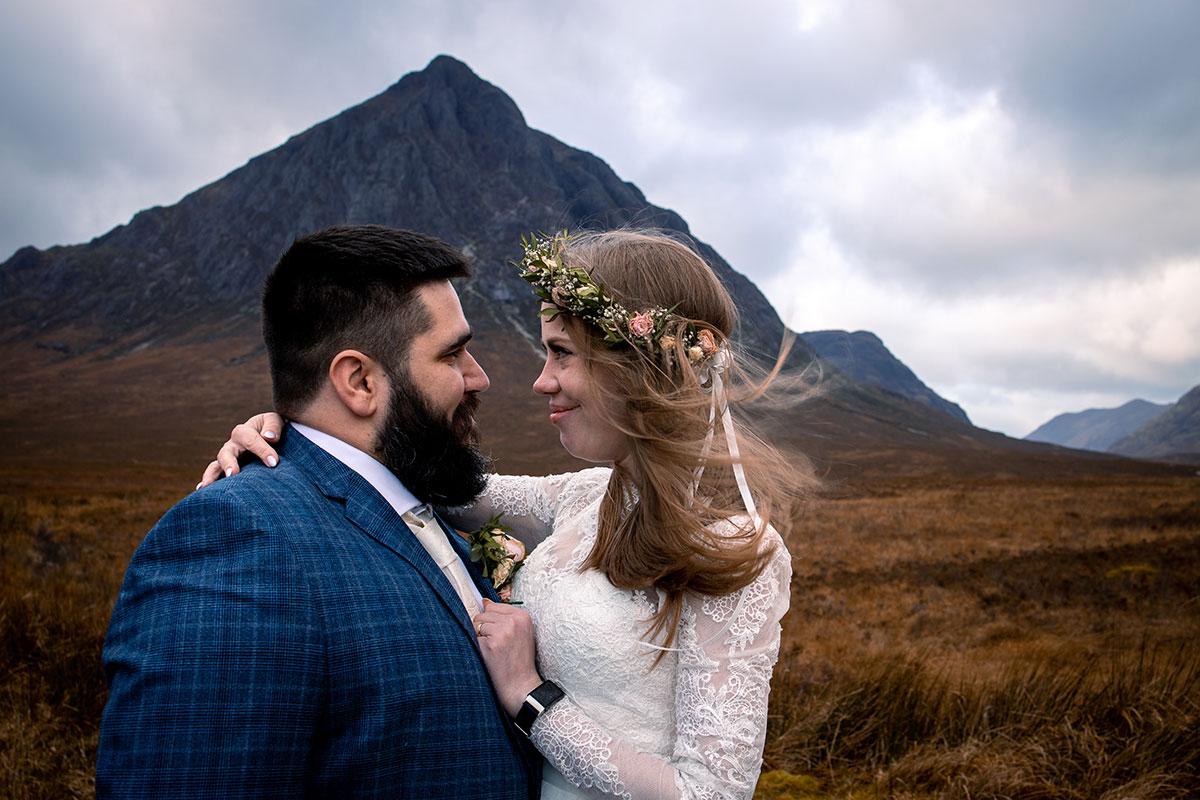 bride and groom Glencoe elopement Buachaille Etive Mòr
