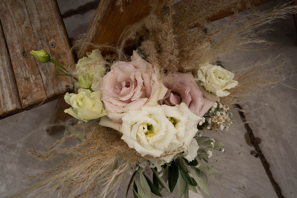 rustic rose and dried grasses bridal bouquet by Fiori Glasgow florist