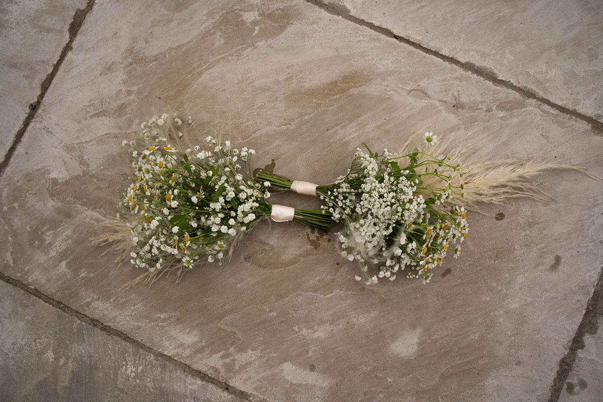 gypsophila and daisy bridesmaid bouquets by Fiori Glasgow florist