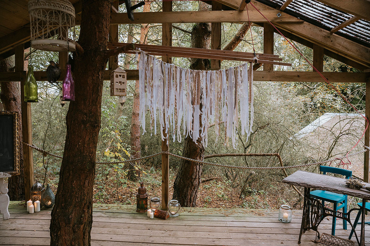 Roulotte Retreat decorated for a wedding with macrame hanging